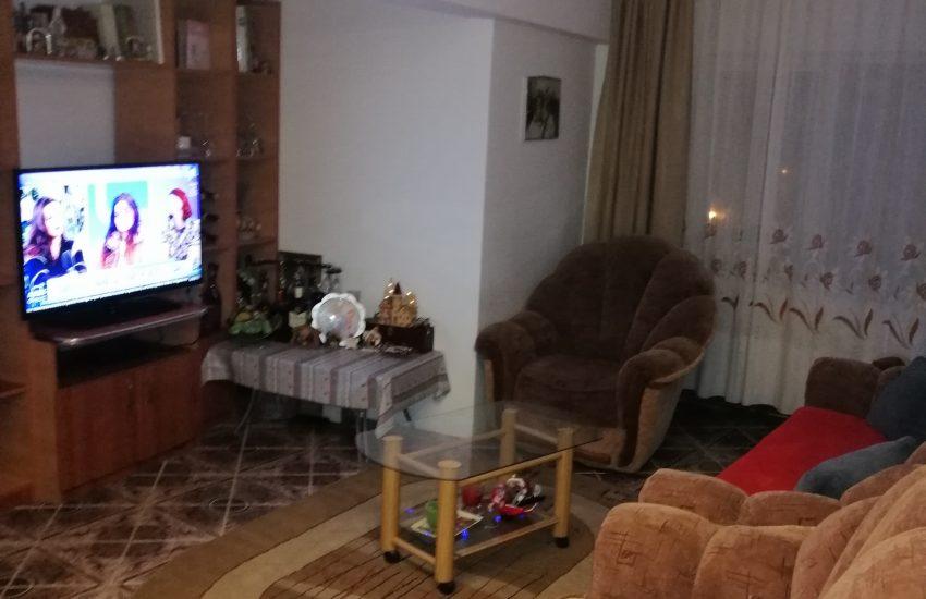 Apartament 4 camere Roman