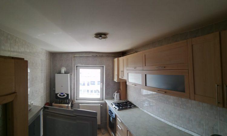 Chirie apartament 4 camere Roman