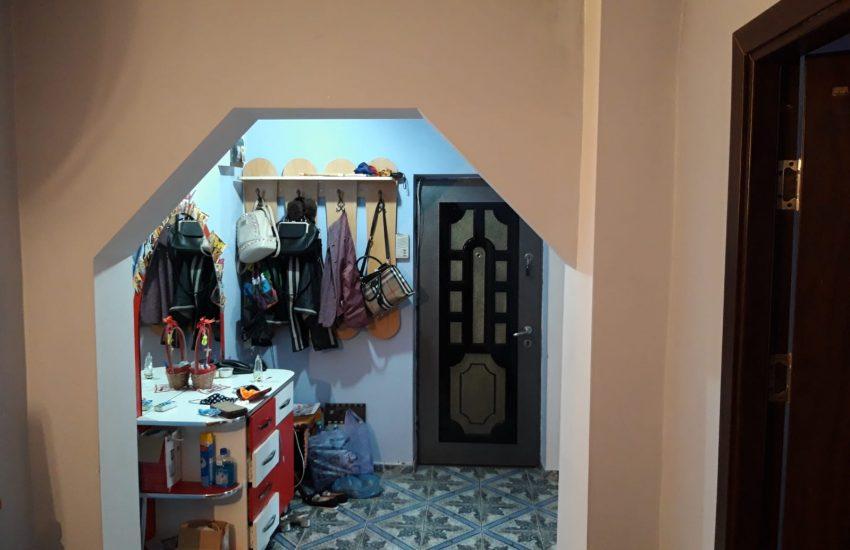 Apartament 3 camere zona centrala Roman