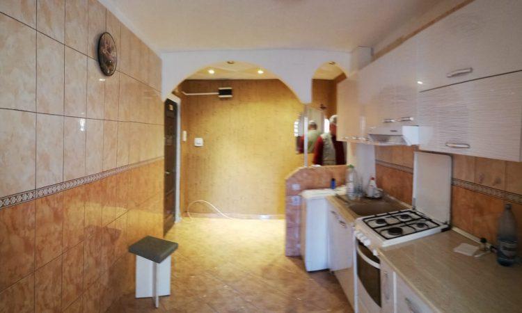 Apartament 2 camere parter Roman