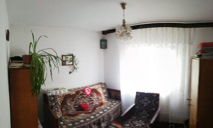 Apartament 3 camere etaj 3 Roman