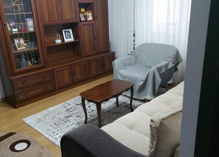 Apartament 2 camere etaj 1 52 mp Roman