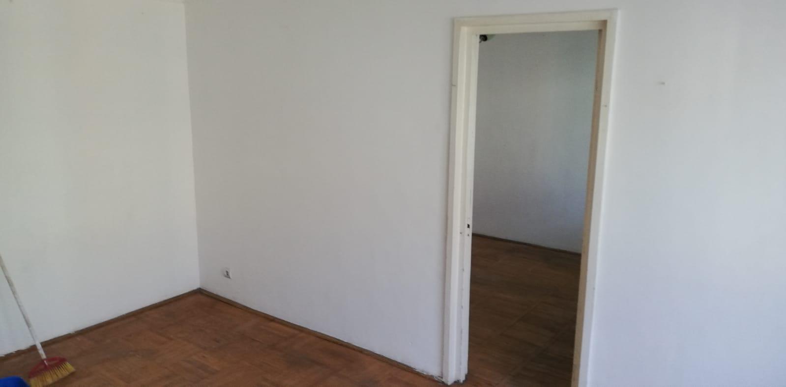 Apartament 2 camere etaj 2 Roman