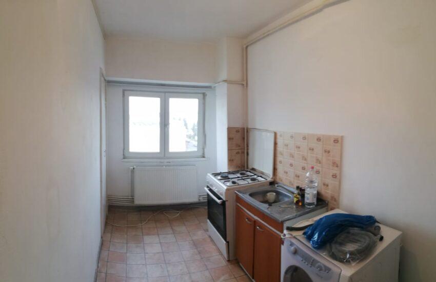 Chirie apartament 3 camere ultracentral Roman