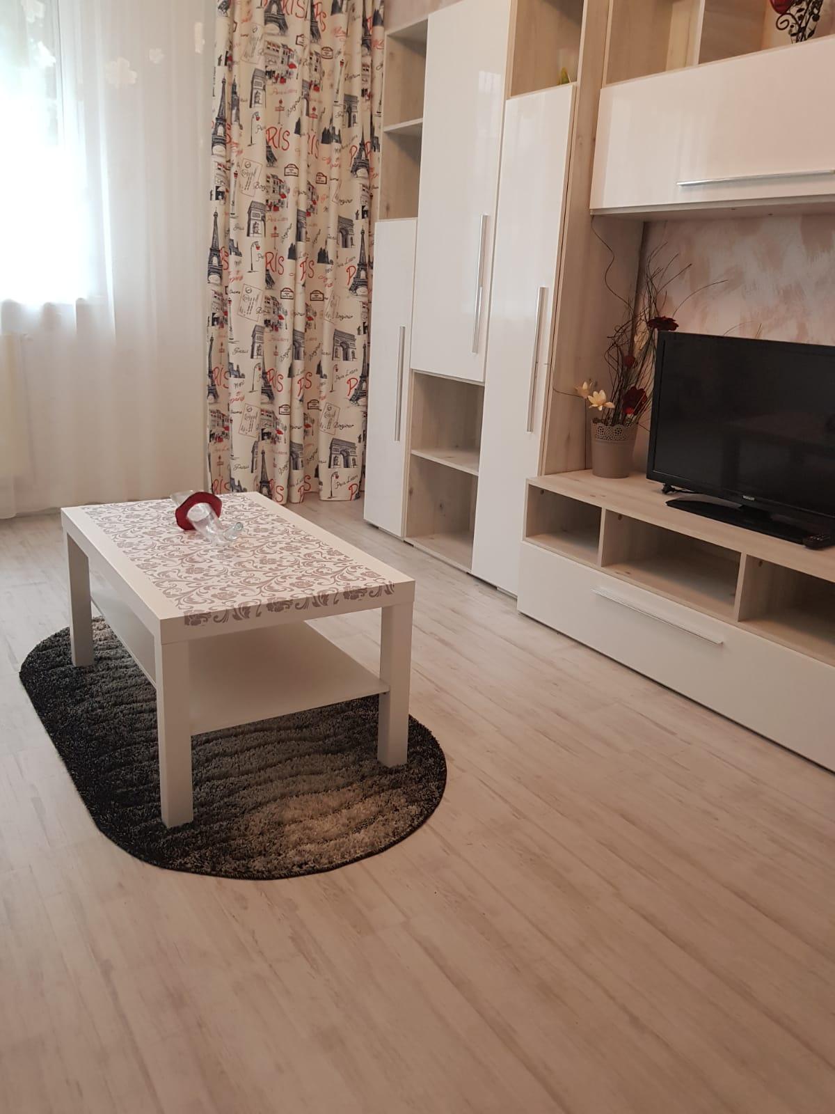 Apartament 2 camere Roman
